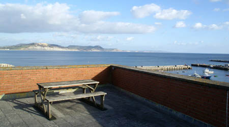 3 bedroom holidays flat in Lyme Regis